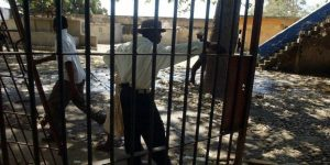 Tous les prisonniers de la Prison civile dAquin se sont évadés